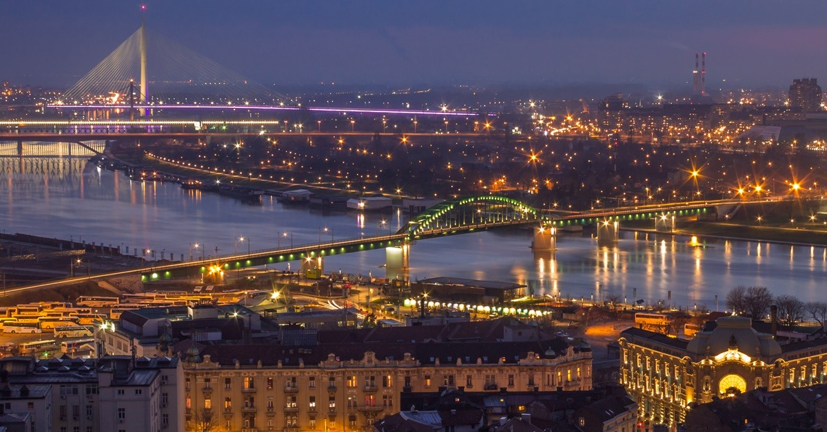 Mostovi u Beogradu noću