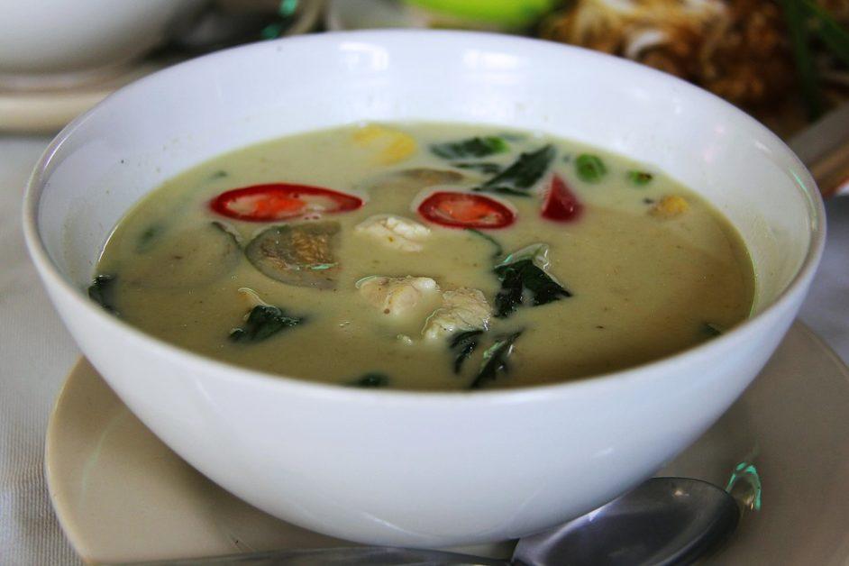 Azijsko jelo zeleni kari
