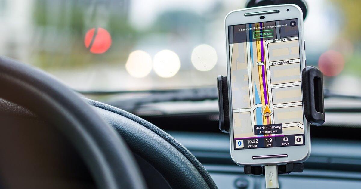 gps navigacija u automobilu