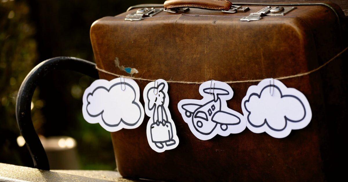 Braon retro kofer za putovanje