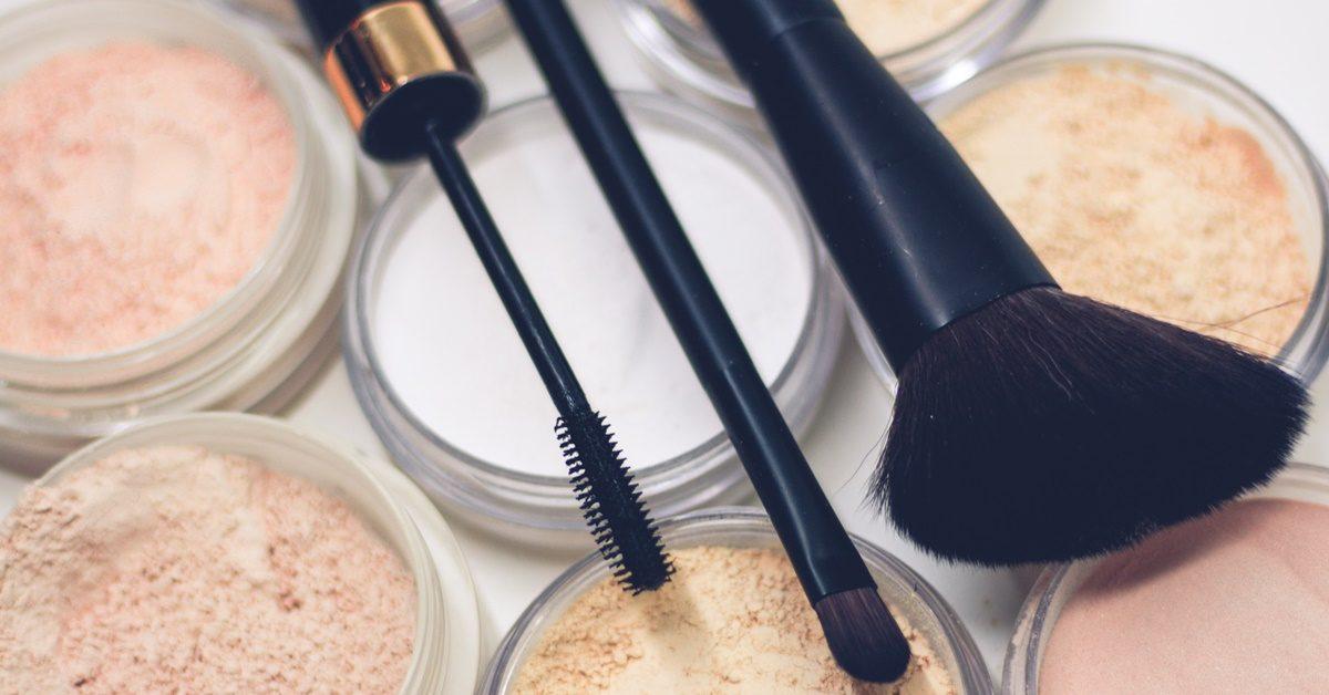 Četkice i senke za šminkanje lica