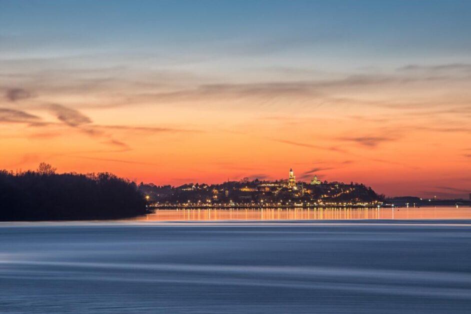 Pogled na Beograd sa reke